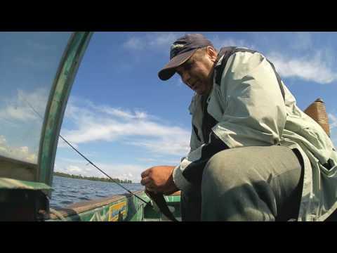 Первая рыбалка  с лодки !!!