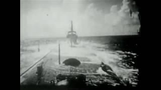 潜水艦が魚雷発射 空母撃沈 駆逐艦反撃