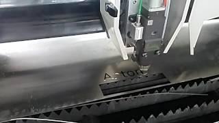 1000W IPG 2mm stainless steel fiber laser cutting machine