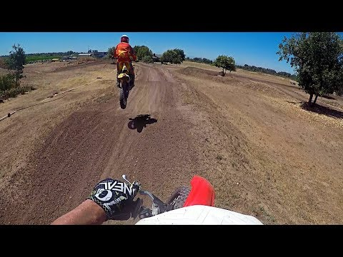 Friendly Race at Cycleland Speedway (Dirt Bike)