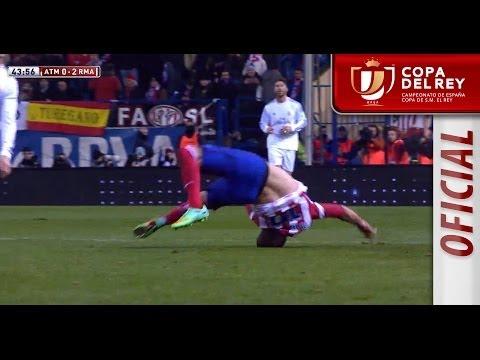 Escalofriante caída de Manquillo tras la falta de Ronaldo Copa del Rey