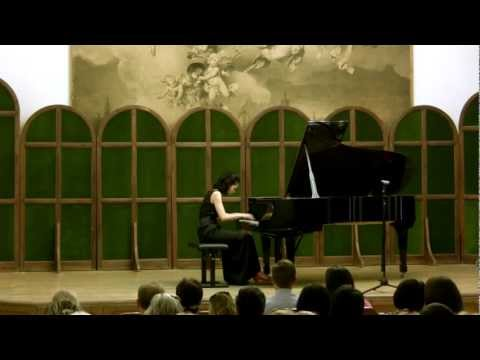 Beethoven: Piano Sonata No. 23 in F minor, Op. 57 'Appassionata' - Lisa Yui, pianist