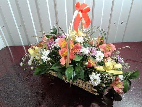Как собрать корзинку цветов  How to assemble a basket of flowers