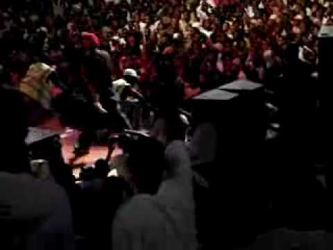 50 Cent a ser roubado em Angola - 50 Cent Robbed in Angola