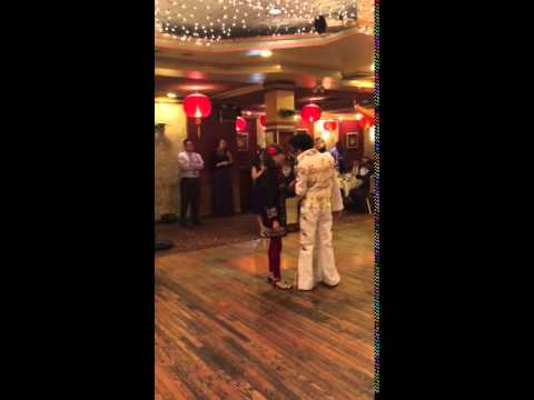 Rebecca Wisocky  Lap chi Chu wedding, Alvis Elvis in the house