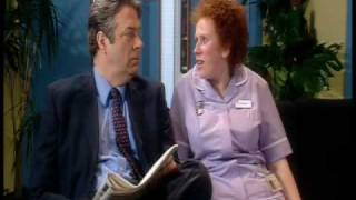 The Catherine Tate Show: Bernie - Surgeon