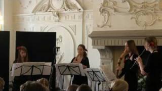Blokfluitensemble Zoet Hout speelt Allegro uit het concert in C van Antonio Vivaldi (1678 - 1741)
