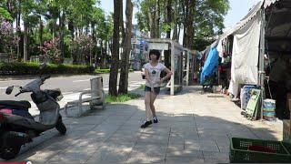 JYJ Back Seat - Impromptu Dance in the farmers' market (8/24/2014) 即興舞入農夫市場(片段)