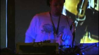 DJ Shadow - 07 - Guns Blazing (Drums Of Death Part 1) (In Tune And On Time)