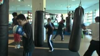 蒼井智和(斎藤工)は大学3年生のボクシング部員。同じ大学の1年生で...