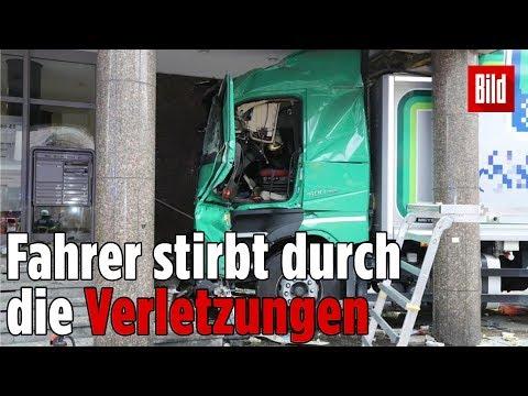 Herzinfarkt am Steuer! Lkw rast in Hamburger Büros