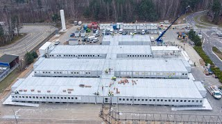 Prace przy budowie szpitala tymczasowego w Ostrołęce