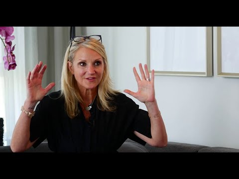 Mel Robbins | It only takes 5 Seconds of this to change your life.