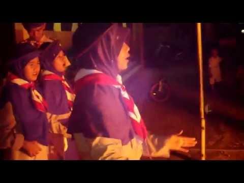 Lagu Hymne Pramuka  dalam api unggun