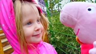 Дети ИГРАЮТ НА ПЛОЩАДКЕ.РАЗВЛЕЧЕНИЕ ДЛЯ МАЛЫШЕЙ.Эльвира и кукла свинка пеппа