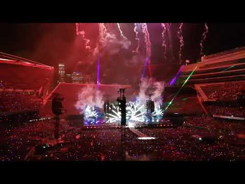 2. ) Coldplay Live in Chicago - Aug. 17, 2017