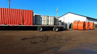 Дальнобой США доставка контейнера на строительную площадку.