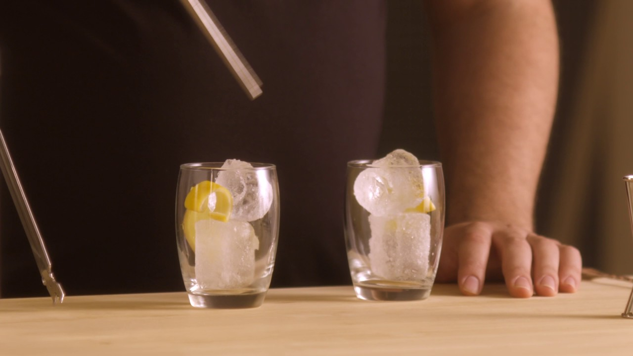 whisky con boost y agua mineral
