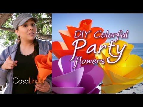 DIY: Colorful Paper Party Flowers - Casa Linda (English)