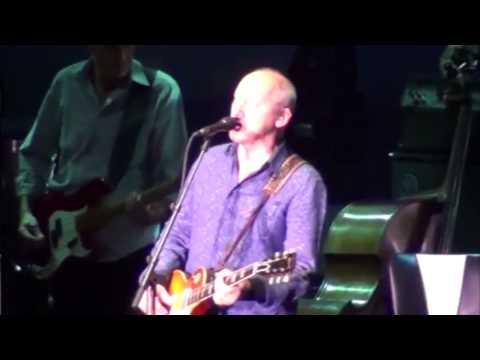 Mark Knopfler - I Dug Up A Diamond - Málaga 2013 - HQ Audio (Multicam) thumbnail