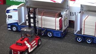 RC Scania R730 FMT Logistik with trailer that can be opened automatically