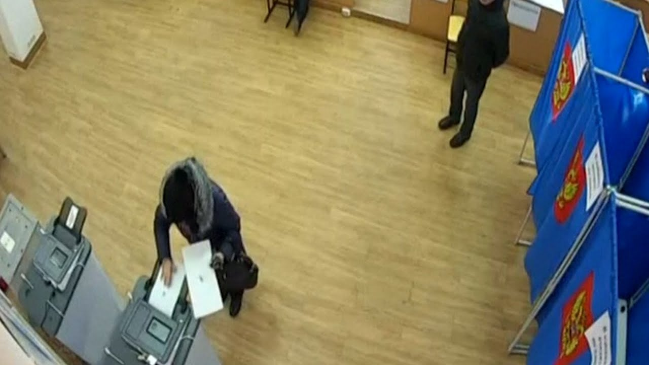 Russian election footage appears to show vote rigging - video
