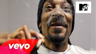 Snoop Dogg - Powder On My Clothes ft  Busta Rhymes & Stresmatic