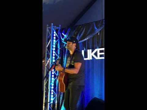 Luke Bryan VIP Kick The Dust Up Raleigh NC 9-3-016