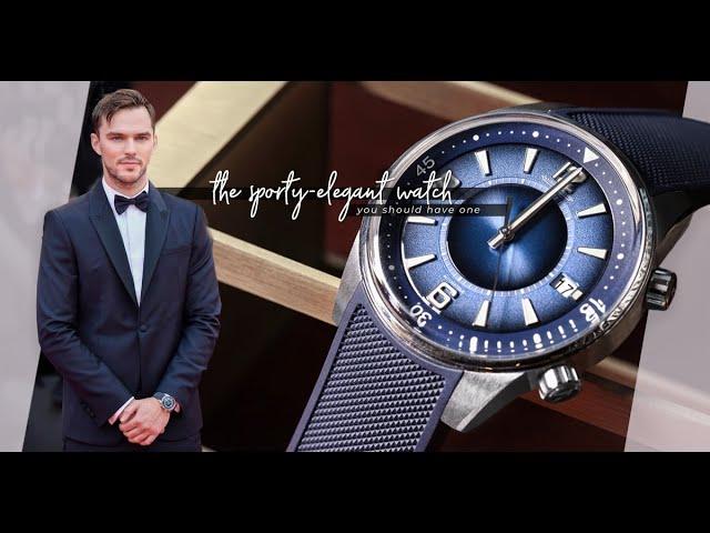 既是冷靜亦是溫柔的藍:Nicholas Hoult從手腕間透出的Sporty Elegant