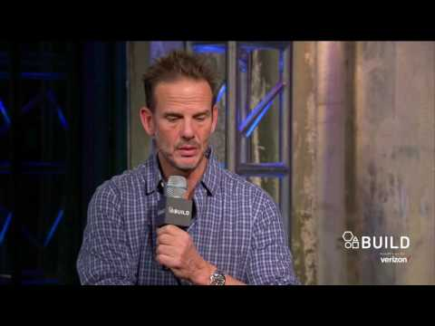 "Peter Berg Discusses Filming The Boston Marathon Bombing Scene In ""Patriots Day"""
