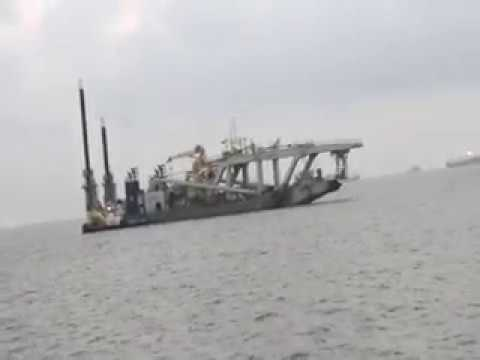 OIL DRILL SHIP