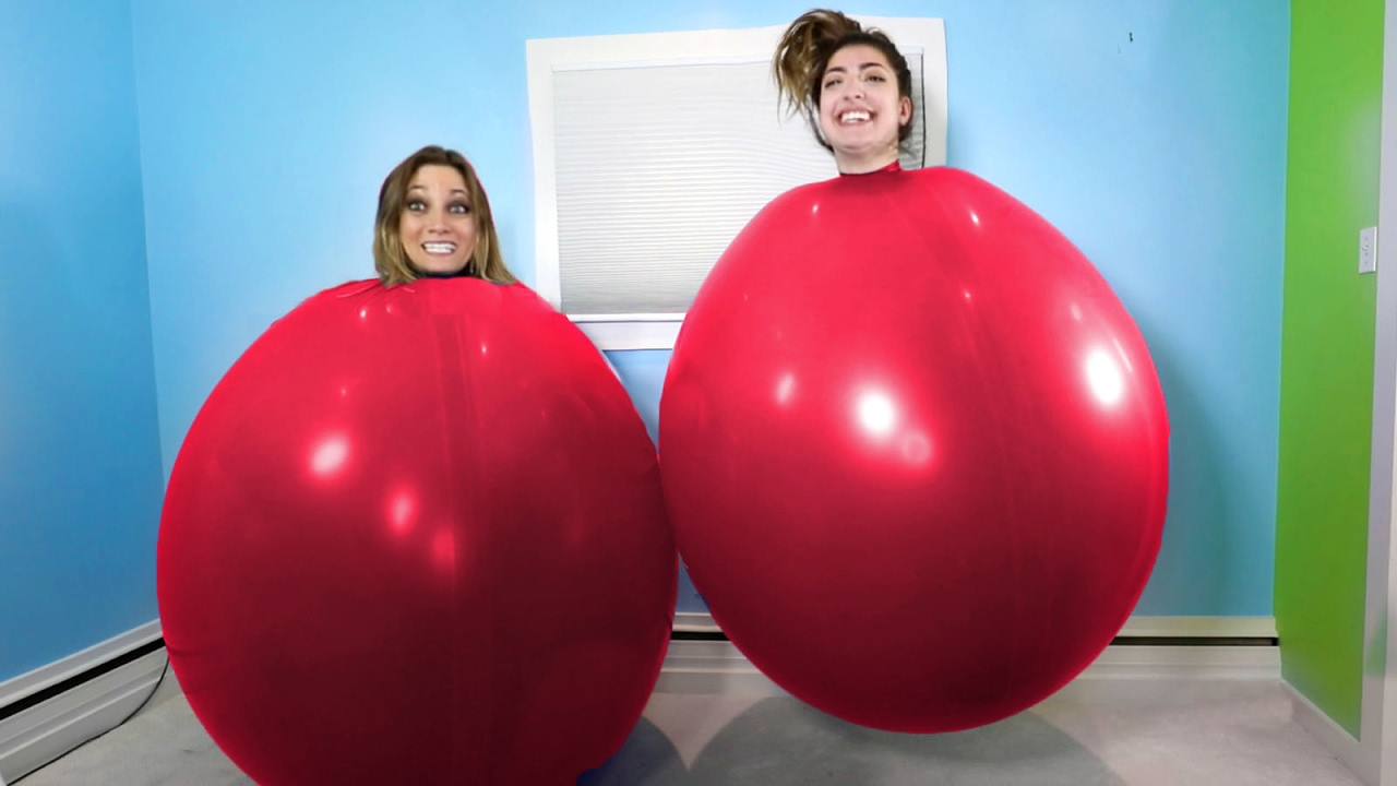 Giant balloon challenge youtube for What can you make with balloons