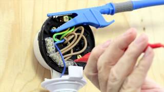 QR code 8 -- Polarity test on a lighting circuit
