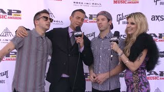 Throwback: twenty one pilots on the 2014 APMAs red carpet