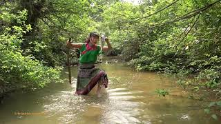 Unque Fishing Using Bow And Arrow Catch Big Fish - Primitive Cooking Grilled Fish For Food