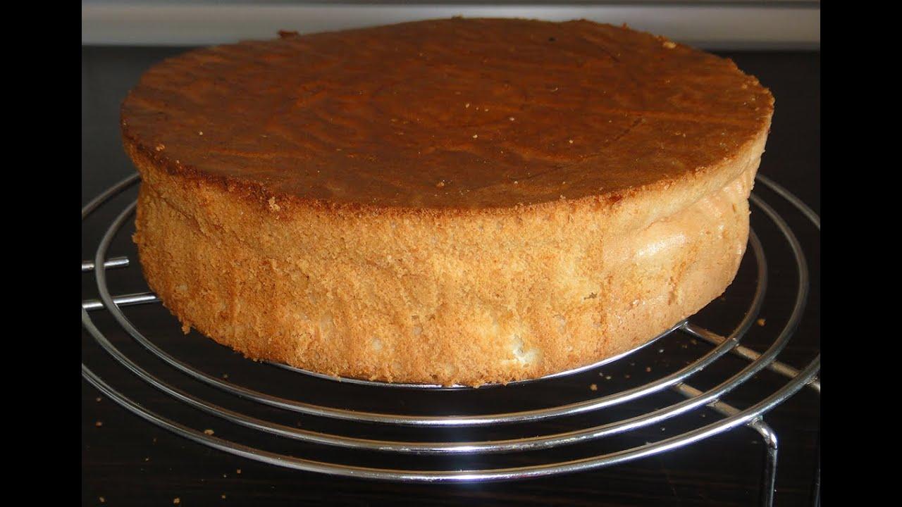 Бисквит – это вид кондитерского теста и получаемого из него изделия, которое может быть основой для бисквитных тортов, пирожных, десертов.