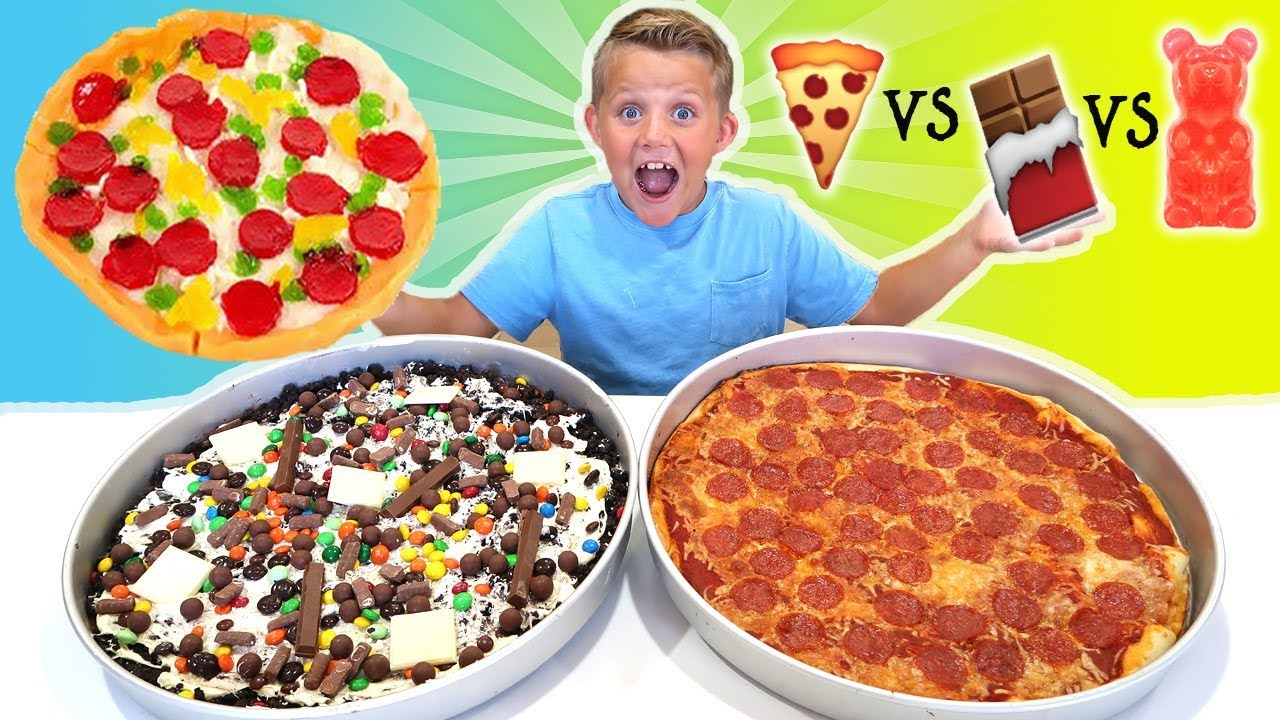 Giant gummy food pizza vs giant real food pizza vs giant for Cuisine vs food