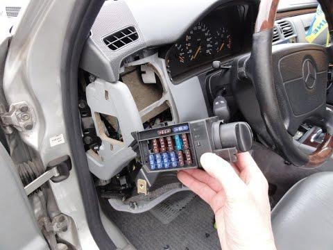 Снятие переключателя света Mercedes W210 Headlight switch removal