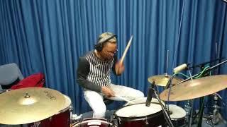 Soukous drums technique with Felix Ngindu
