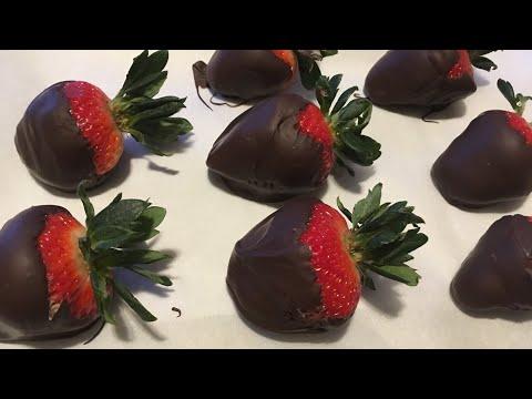 Keto Chocolate Covered Strawberries 4.7g Net Carbs Each | Keto Valentine's Day Dessert