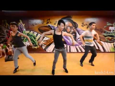 3 chàng trai nhảy giày cao gót đầu tiên tại Sài Gòn