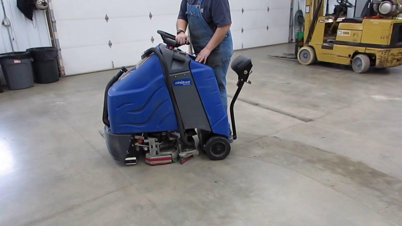 Windsor Chariot 24 Disk Floor Scrubber Carpet Vidalondon