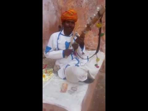 Gadar song: Udja Kale Kawan Tere Muh Vich Khand Pawa