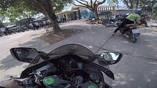 Kawasaki ninja H2 thăm trường cũ ngày gần tết.