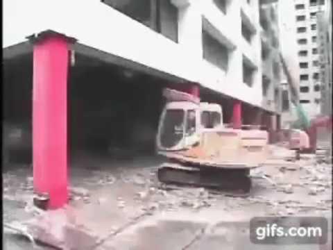 Безшумный снос здания в японии