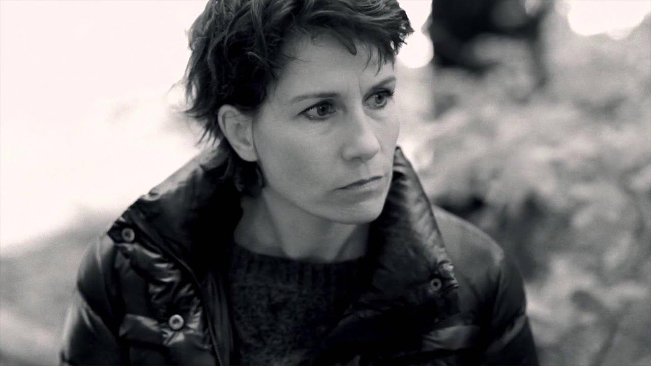 Mia Lyhne - Folk der ikke kan købes - YouTube