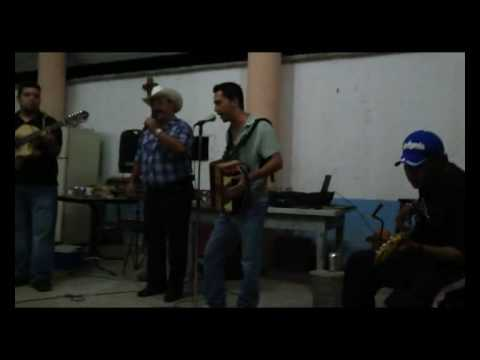 Cesar Rodriguez en Marin Nuevo Leon. Corrido del E...
