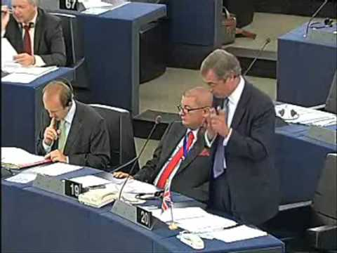 Nigel Farage shows Barroso the true state of the European Union
