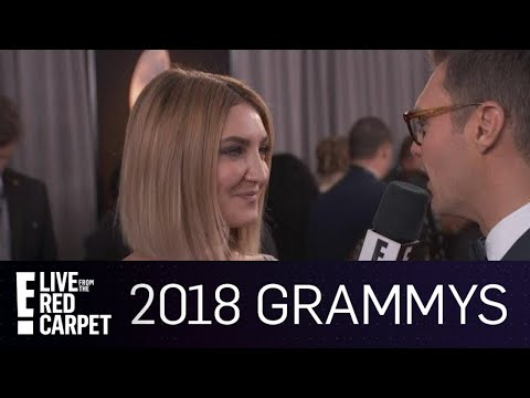 Julia Michaels Dishes on Pink Being Her Idol | E! Live from the Red Carpet