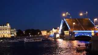Разводной мост в Питере. Дворцовый мост. Разведение моста.